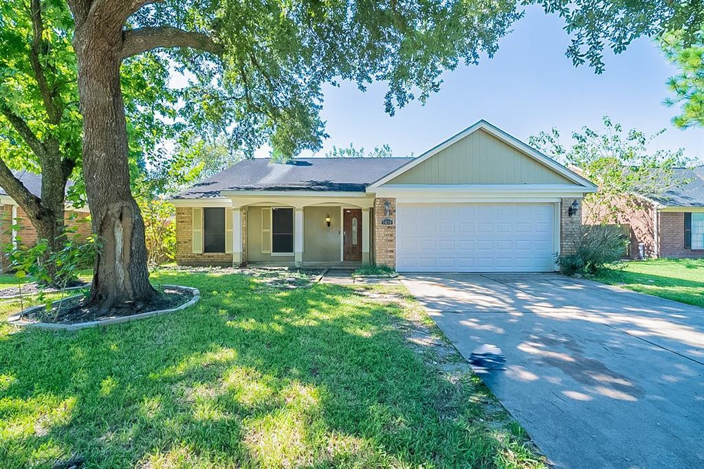 1611 Kriswood Drive, Houston, TX 77014