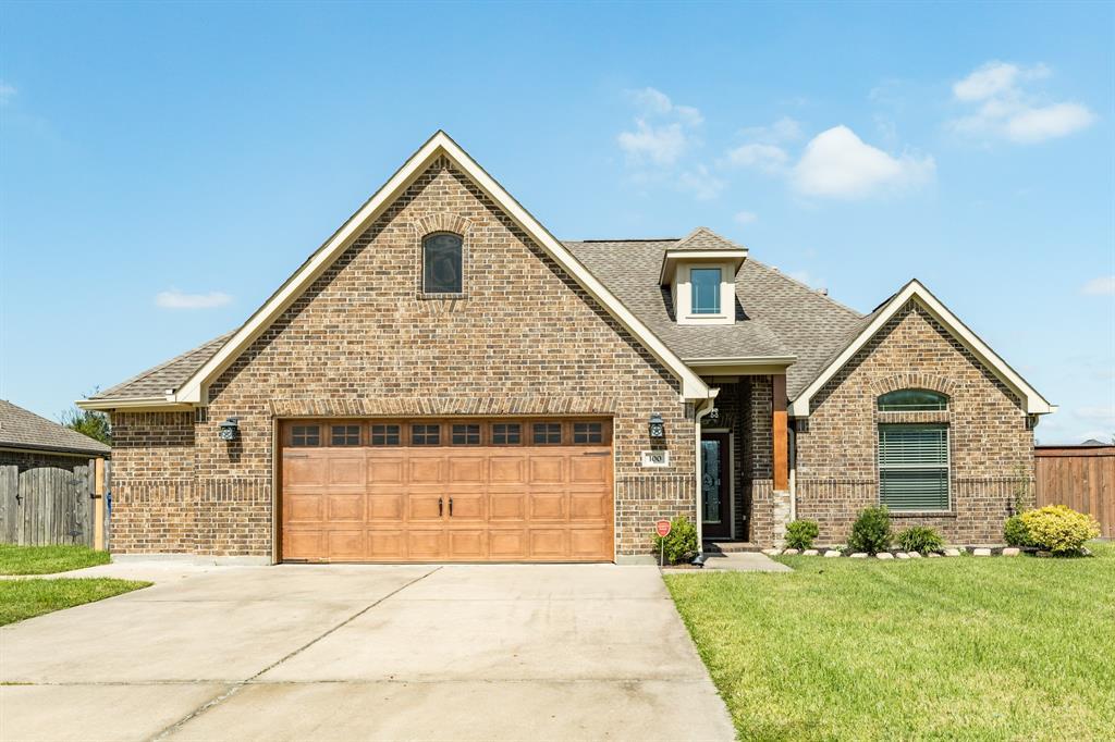 100 Brazos Court, Richwood, TX 77531