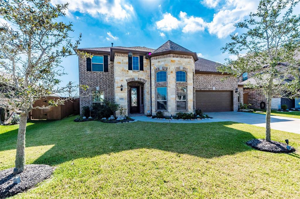 12521 Grand Haven Drive, Texas City, TX 77568