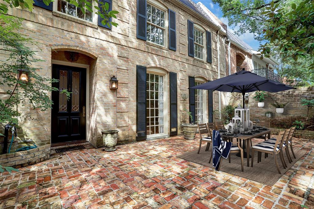 4886 3 Post Oak Timber Drive, Houston, Texas 77056, 3 Bedrooms Bedrooms, 10 Rooms Rooms,4 BathroomsBathrooms,Townhouse/condo,For Sale,Post Oak Timber,90315382