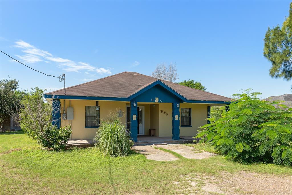 21564 Espinoza Road, San Benito, TX 78586