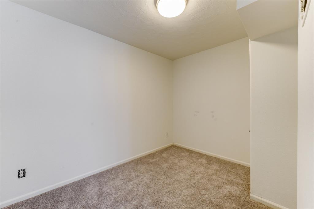915 4 Nash Street, Houston, Texas 77019, 4 Bedrooms Bedrooms, 8 Rooms Rooms,3 BathroomsBathrooms,Townhouse/condo,For Sale,Nash,93508433