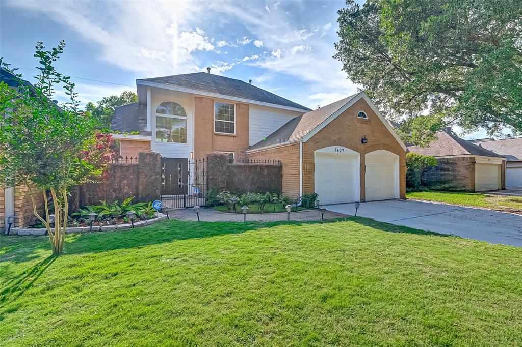 1627 Gingerleaf Lane, Houston, TX 77055