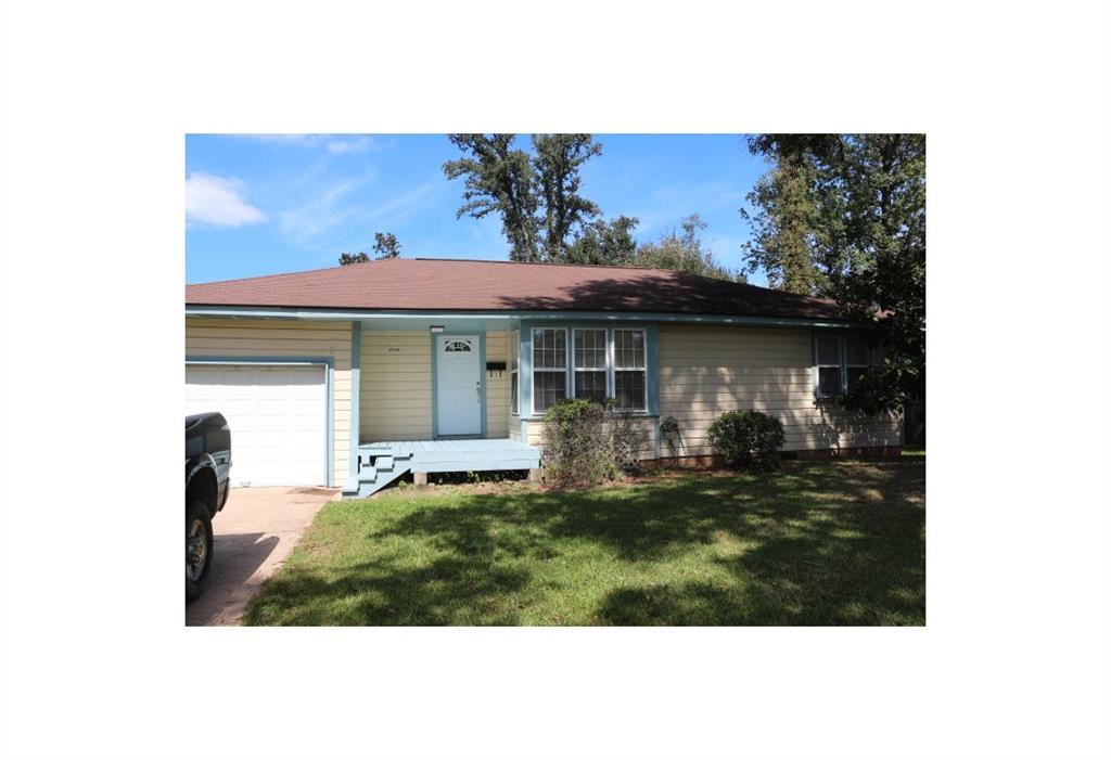 3150 S Willowood Lane, Beaumont, TX 77703