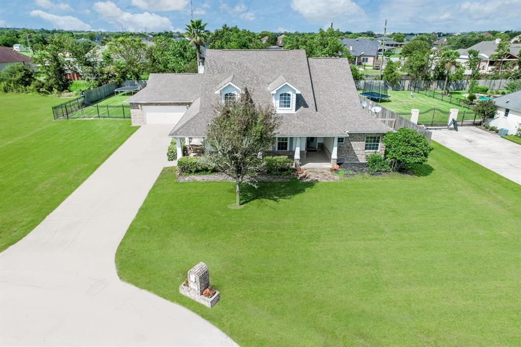 3003 Royal Palm Drive, Baytown, TX 77523