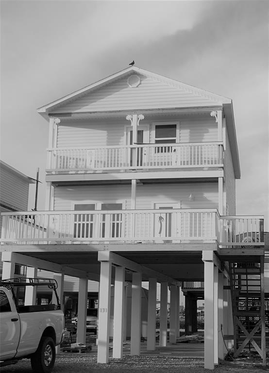 143 West Palm Street, Surfside Beach, TX 77541