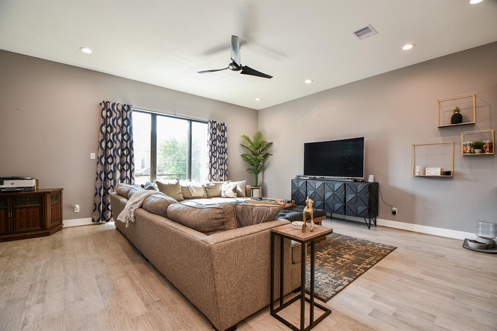 2307 4 Berry Street, Houston, Texas 77004, 3 Bedrooms Bedrooms, 3 Rooms Rooms,3 BathroomsBathrooms,Townhouse/condo,For Sale,Berry,57046643