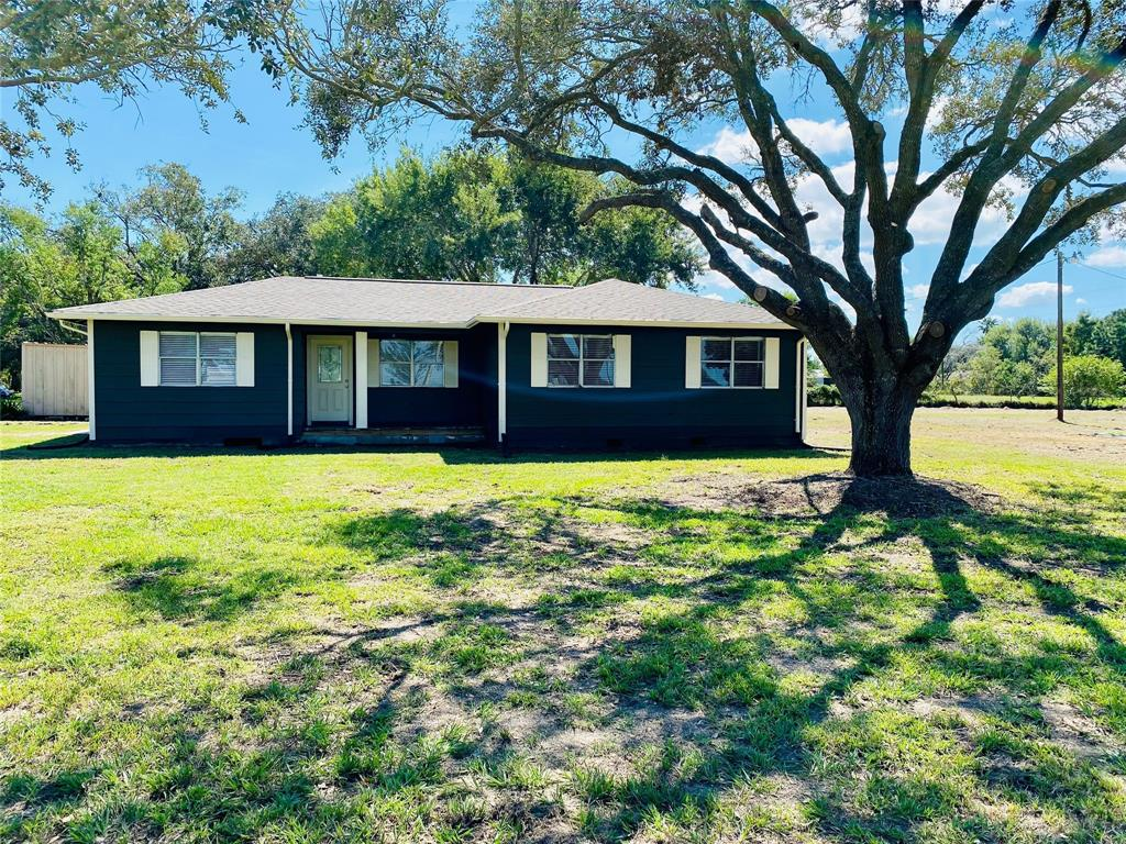 476 County Road 231, Wadsworth, TX 77483