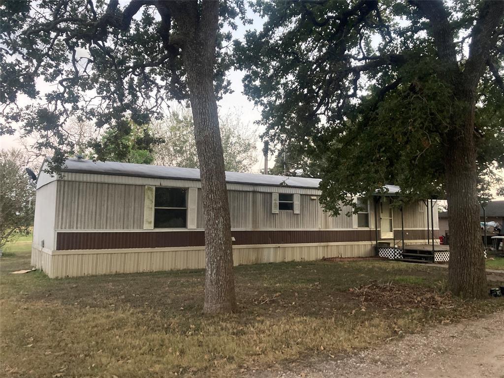 404 Fordtrand Street, Ellinger, TX 78938