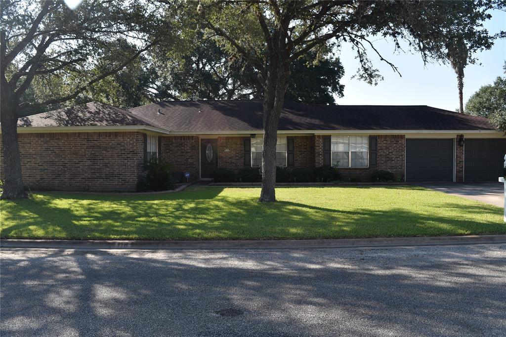 118 Suffolk Street, Hallettsville, TX 77964
