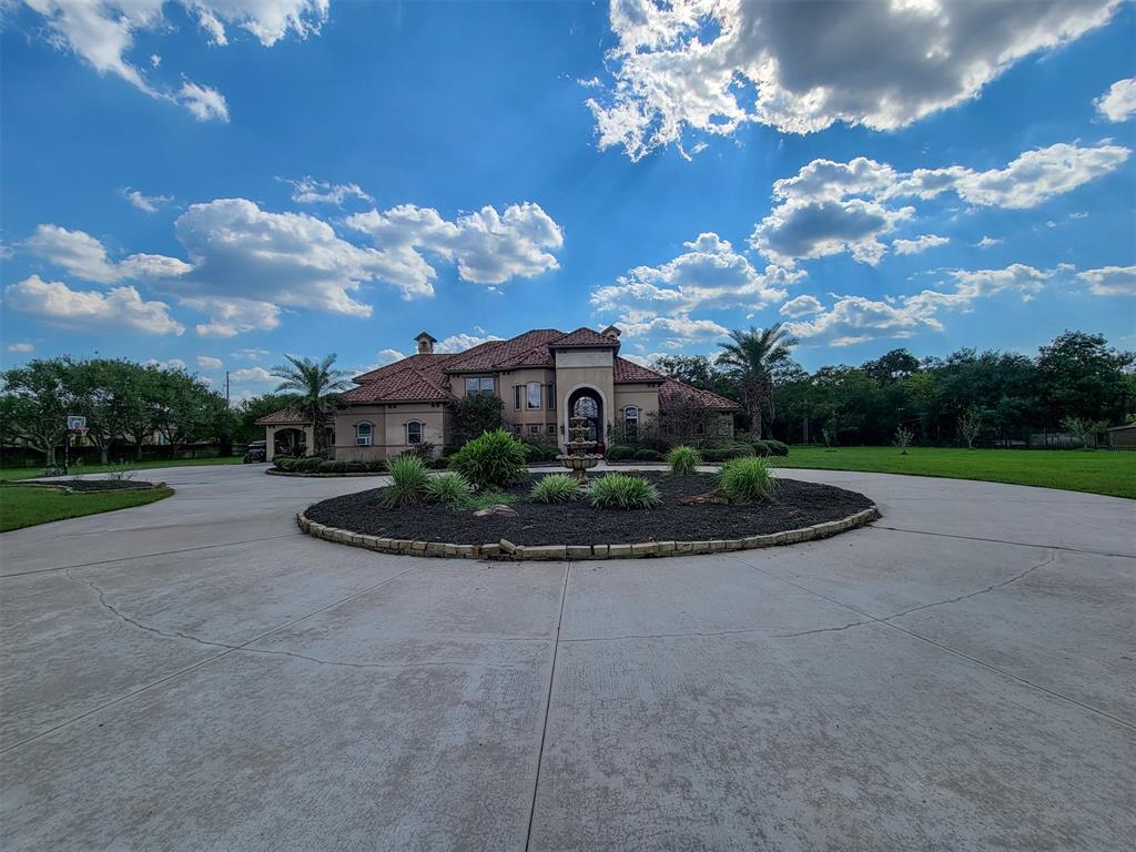 1819 Darby Lane, Fresno, TX 77545