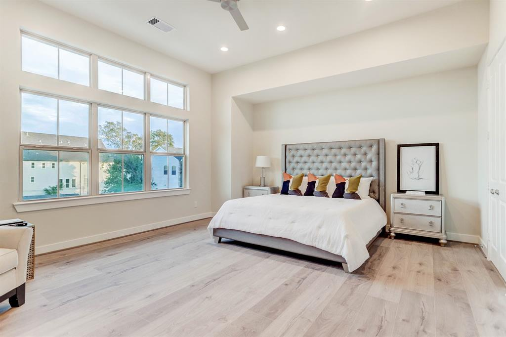 5236 3 Schuler Street, Houston, Texas 77007, 3 Bedrooms Bedrooms, 14 Rooms Rooms,3 BathroomsBathrooms,Townhouse/condo,For Sale,Schuler,8150869
