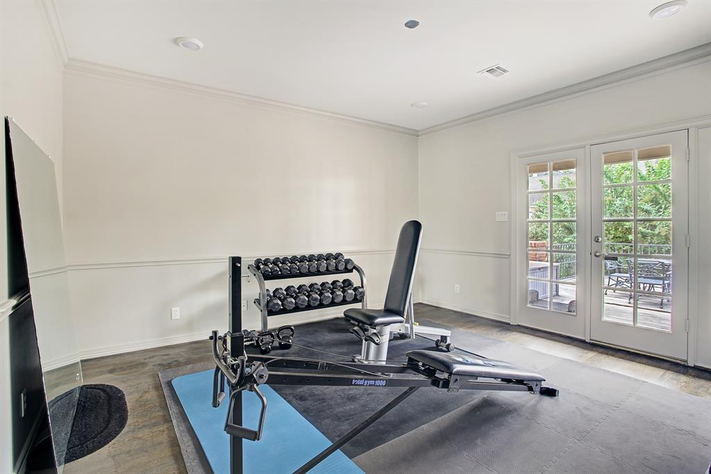 4830 2 Post Oak Timber Drive, Houston, Texas 77056, 3 Bedrooms Bedrooms, 10 Rooms Rooms,4 BathroomsBathrooms,Townhouse/condo,For Sale,Post Oak Timber,33950845
