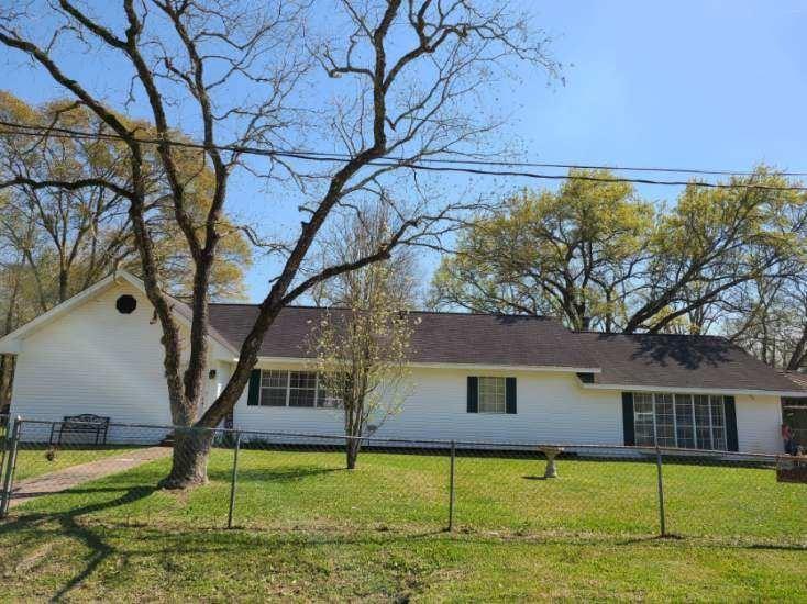 115 Elm Street, Daisetta, TX 77533
