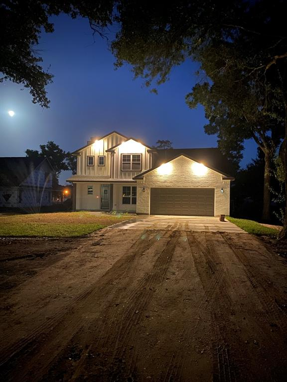719 Seydler Street, East Bernard, TX 77435