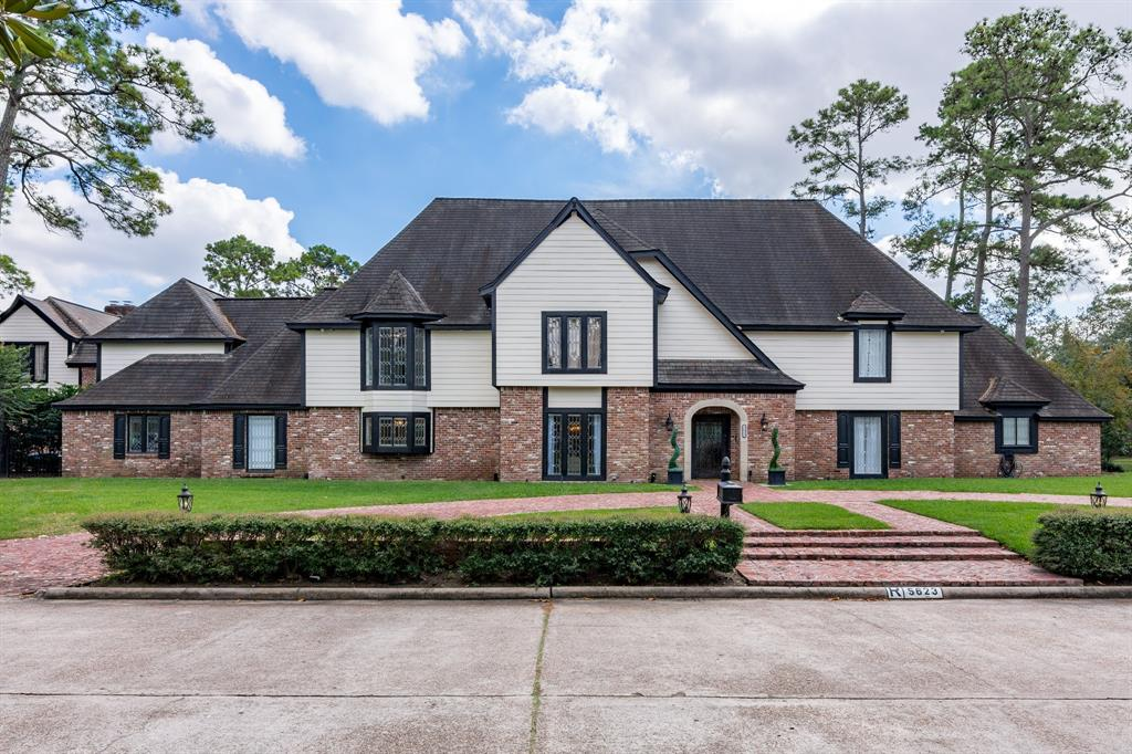 5623 Foresthaven Drive, Houston, TX 77066