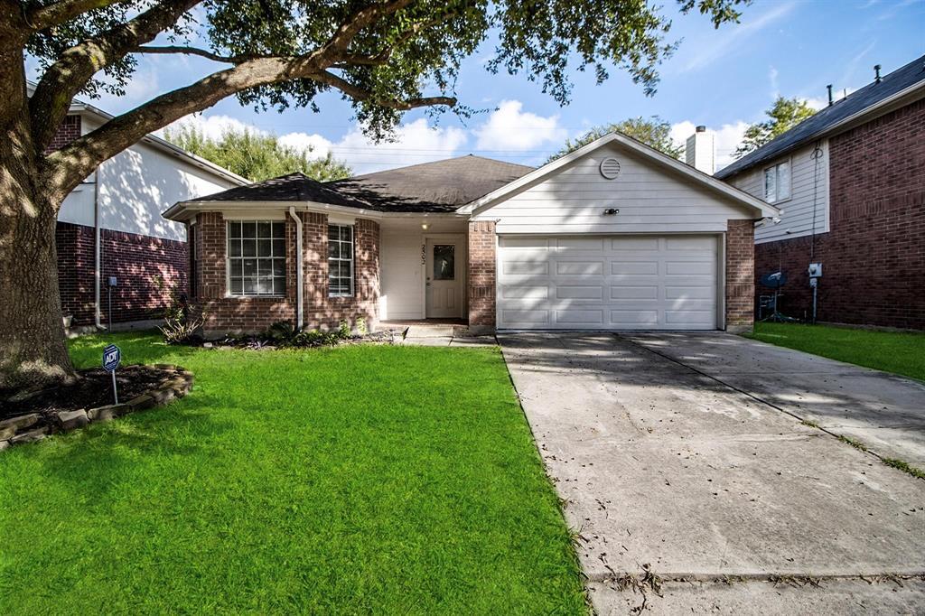 2502 Chestnut Mills Road, Houston, TX 77067