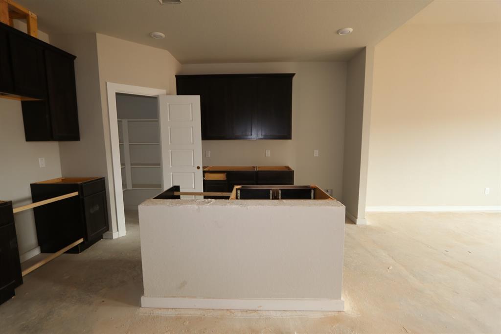 818 1 Deerhurst Lane, Magnolia, Texas 77354, 4 Bedrooms Bedrooms, 8 Rooms Rooms,2 BathroomsBathrooms,Single-family,For Sale,Deerhurst,53960970