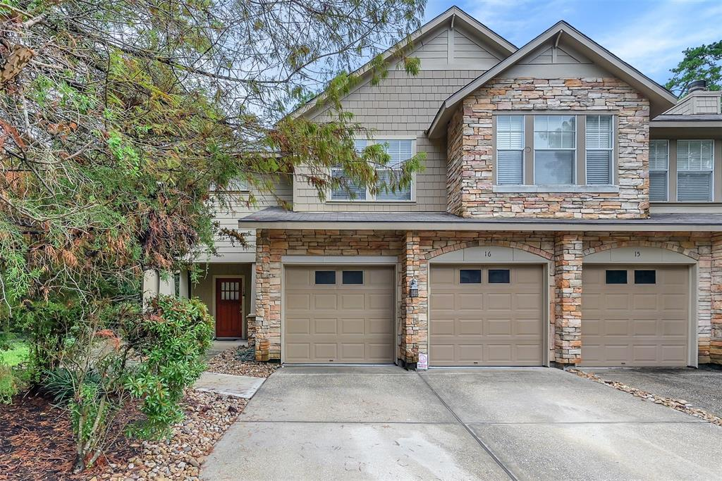 16 Scarlet Woods Ct Court, The Woodlands, TX 77380