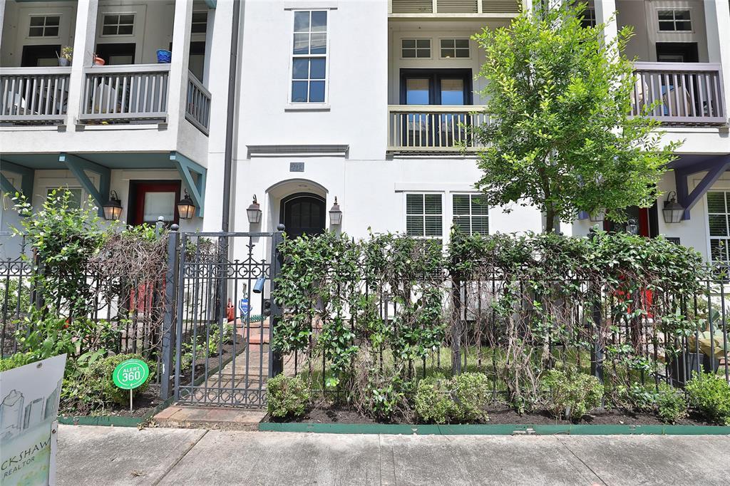 2714 3 Cortlandt Street, Houston, Texas 77008, 3 Bedrooms Bedrooms, 6 Rooms Rooms,3 BathroomsBathrooms,Townhouse/condo,For Sale,Cortlandt,35363988