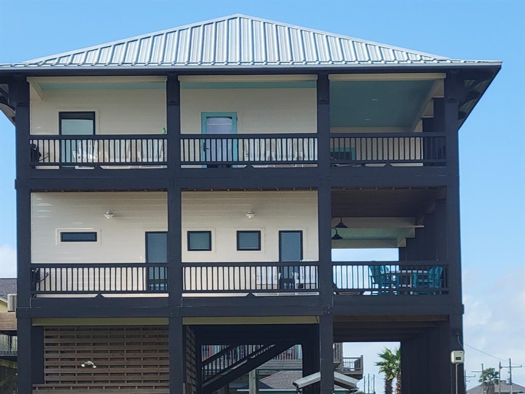 775 Townsend Drive, Crystal Beach, TX 77650