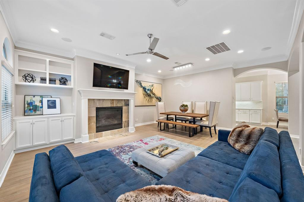 118 3 Drew Street, Houston, Texas 77006, 3 Bedrooms Bedrooms, 10 Rooms Rooms,3 BathroomsBathrooms,Townhouse/condo,For Sale,Drew,29256803