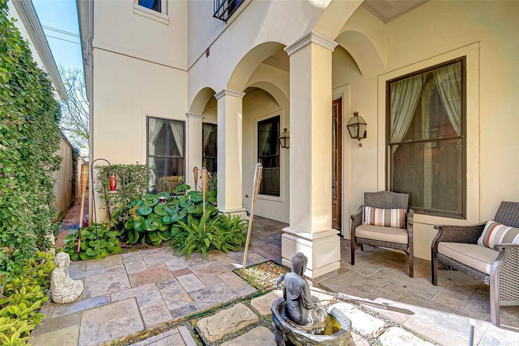 2143 2 Fairview Avenue, Houston, Texas 77019, 3 Bedrooms Bedrooms, 3 Rooms Rooms,3 BathroomsBathrooms,Townhouse/condo,For Sale,Fairview,46176502