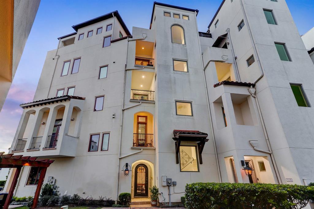 306 5 Calle Sevilla Place, Houston, Texas 77007, 3 Bedrooms Bedrooms, 9 Rooms Rooms,2 BathroomsBathrooms,Townhouse/condo,For Sale,Calle Sevilla,48655271