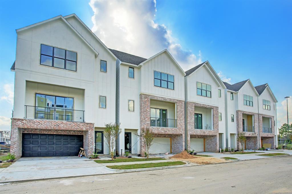2112 3 Stuart Street, Houston, Texas 77004, 3 Bedrooms Bedrooms, 12 Rooms Rooms,3 BathroomsBathrooms,Townhouse/condo,For Sale,Stuart,85684642