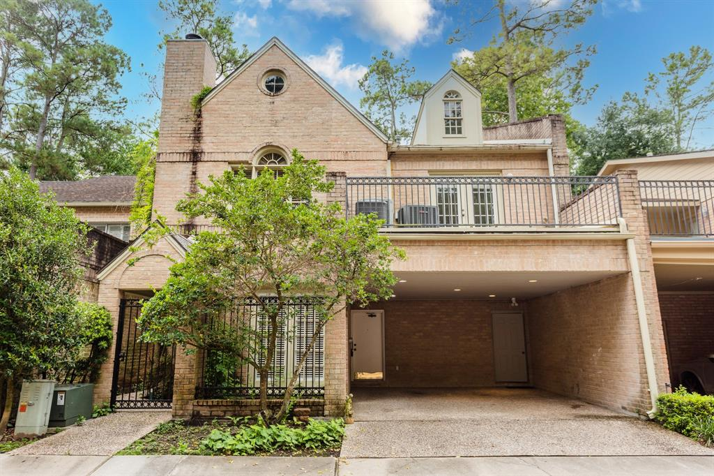 201 3 Vanderpool Ln Lane, Houston, Texas 77024, 3 Bedrooms Bedrooms, 9 Rooms Rooms,3 BathroomsBathrooms,Townhouse/condo,For Sale,Vanderpool Ln,88454626