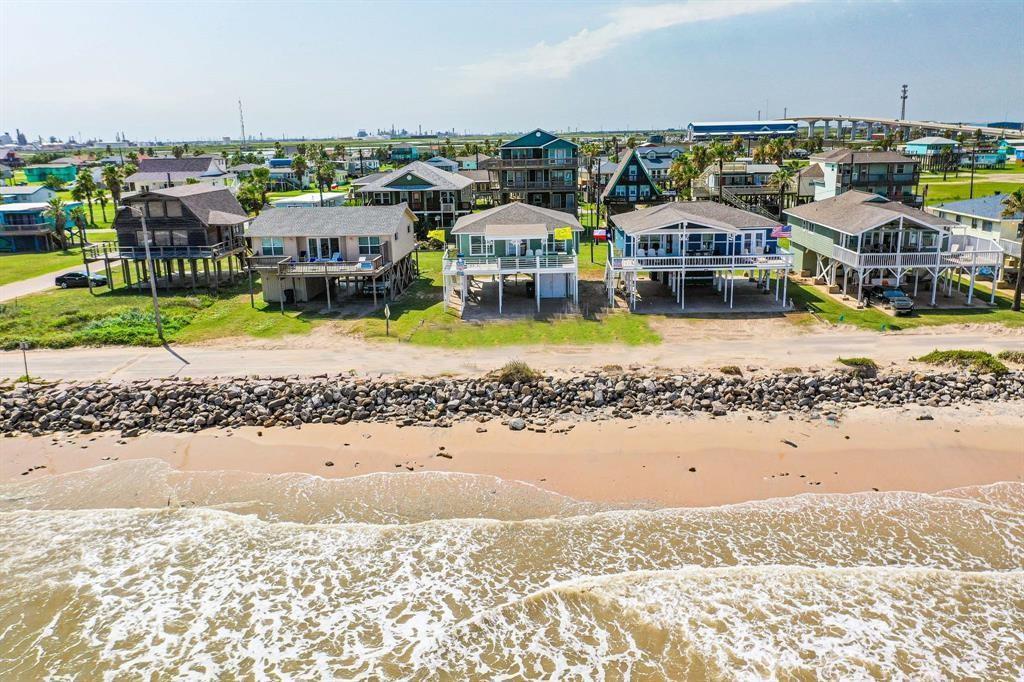 214 Beach Drive, Surfside Beach, TX 77541