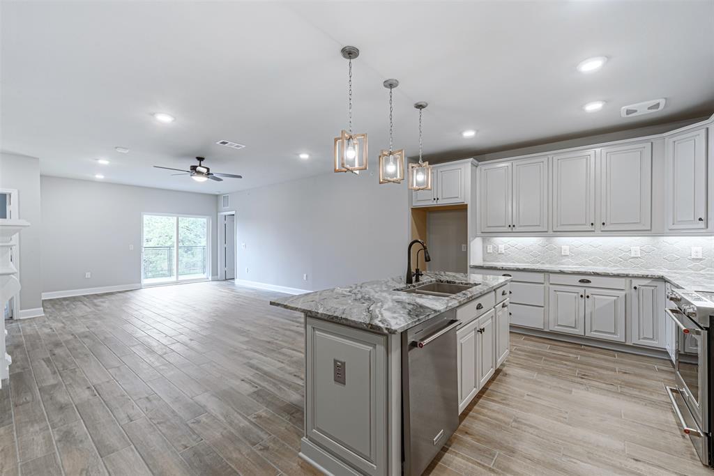 6804 1 Westview Drive, Houston, Texas 77055, 2 Bedrooms Bedrooms, 5 Rooms Rooms,2 BathroomsBathrooms,Townhouse/condo,For Sale,Westview,68595210