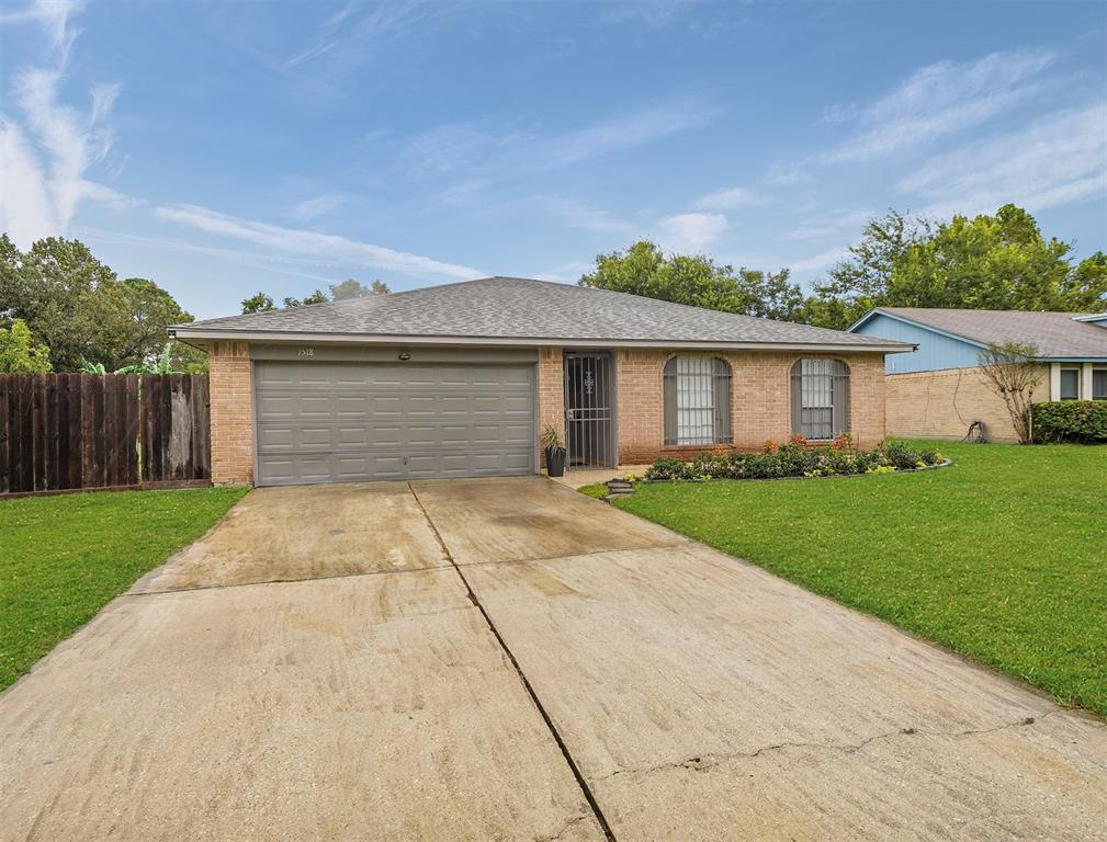 1518 Clover Trail Lane, Houston, TX 77067