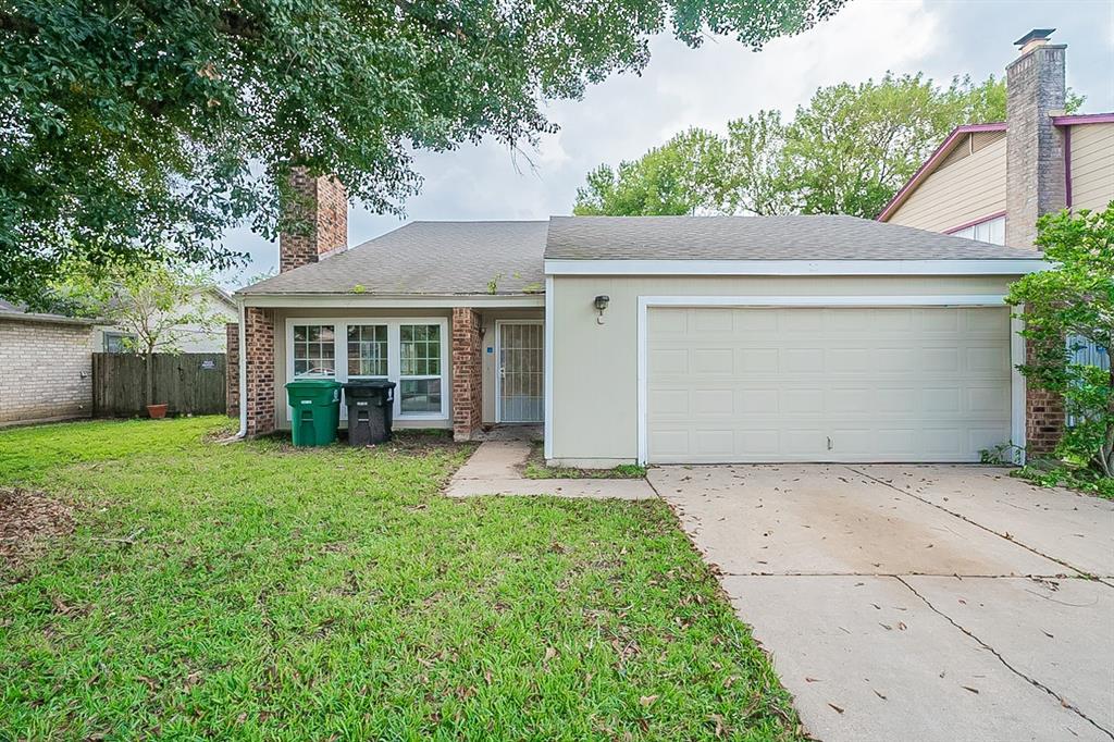 16606 Quail Dale Drive, Houston, TX 77489