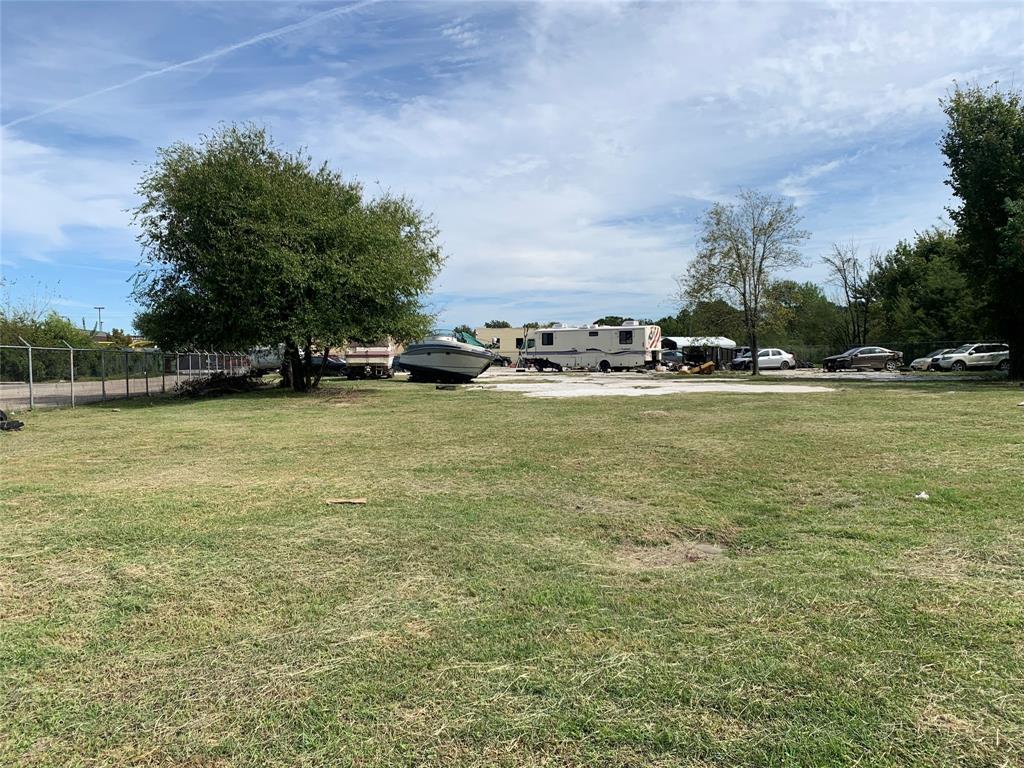 9337 Veterans Memorial Drive, Houston, TX 77038