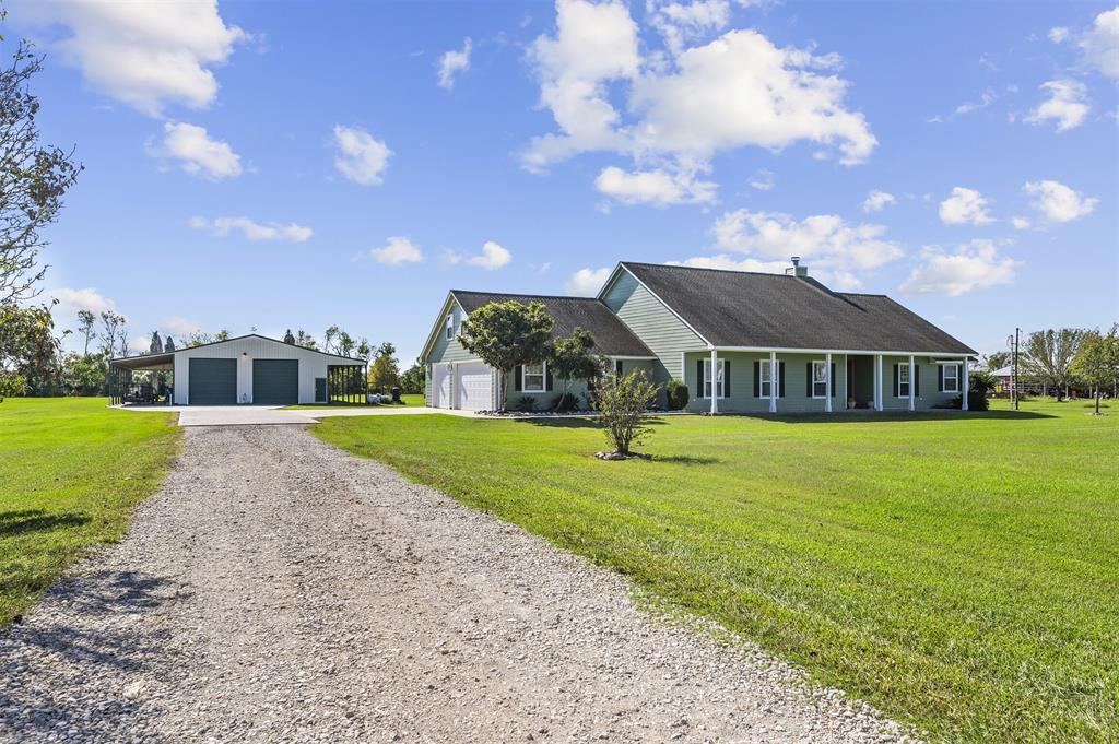 15010 Old Irish Farm Road, Baytown, TX 77523
