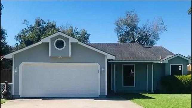 2002 Avenue, Danbury, TX 77534