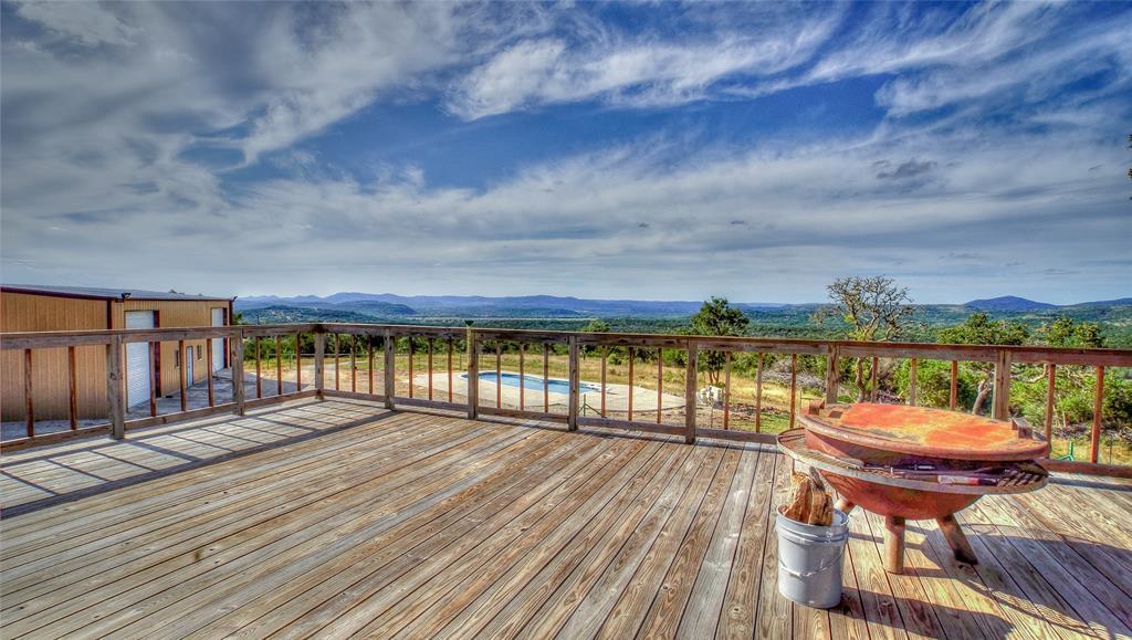 1246 Private Road 238, Hondo, TX 78861