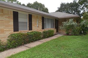 5214 Saxon Drive, Houston, TX 77092