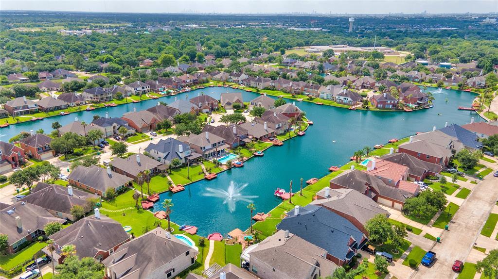 10126 Lakeside Gables Drive, Houston, TX 77065