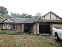 8811 oakleaf forest drive, houston, TX 77088