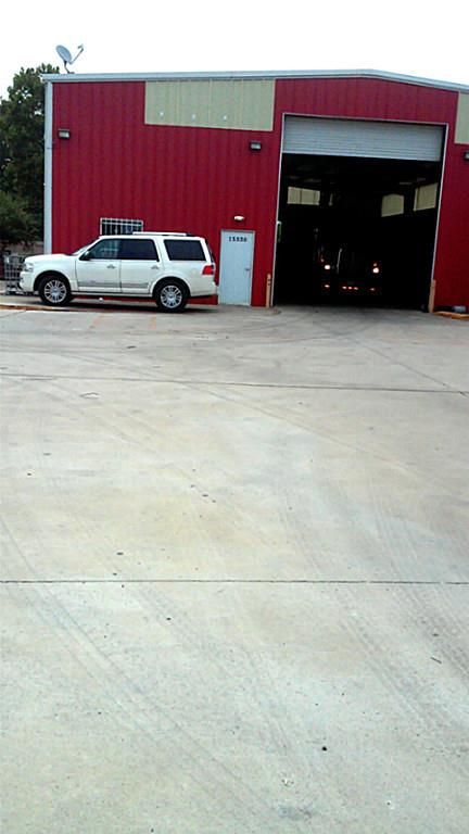 THIS PROPERTY IS LOCATED ON THE COMMERCIAL & INDUSTRIAL AREA.THERE IS A 6000 SQ FT. METAL RECYCLE BUSINESS OPERATION, BUYER CAN USE THIS PROPERTY FOR ANY KIND OF BUSINESS