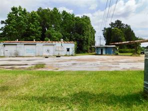 1500 n washington, cleveland, TX 77327