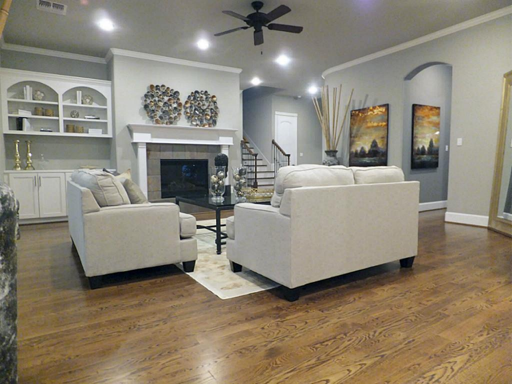767 Carlingford Ln Houston Tx 77079 Har Com # Mur Avec Foyer Et Tv