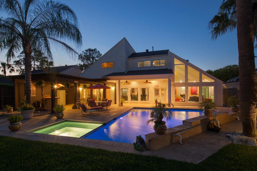 Breathtaking Home With Private Back Yard Retreat Including R Pool Spa W Led Lighting