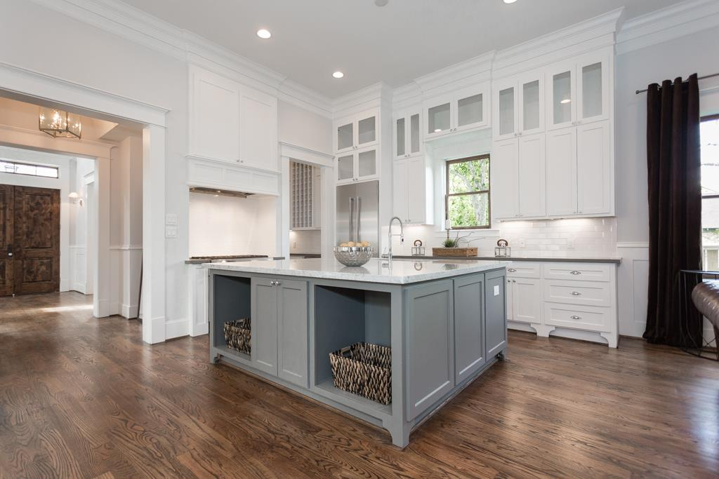 Sold 201 E 24th Street Houston Tx 77008 4 Beds 3 Full Baths 1 Half Bath 1088500