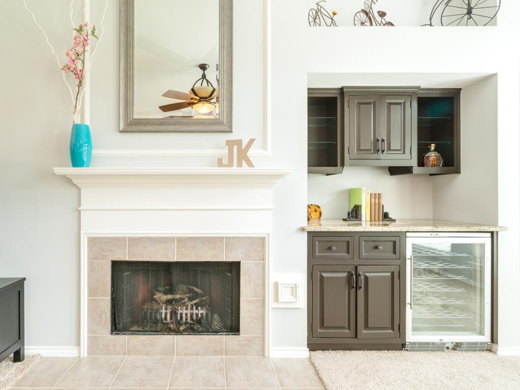 Awesome The Living Room Wine Bar Embellishment - Living Room Design ...