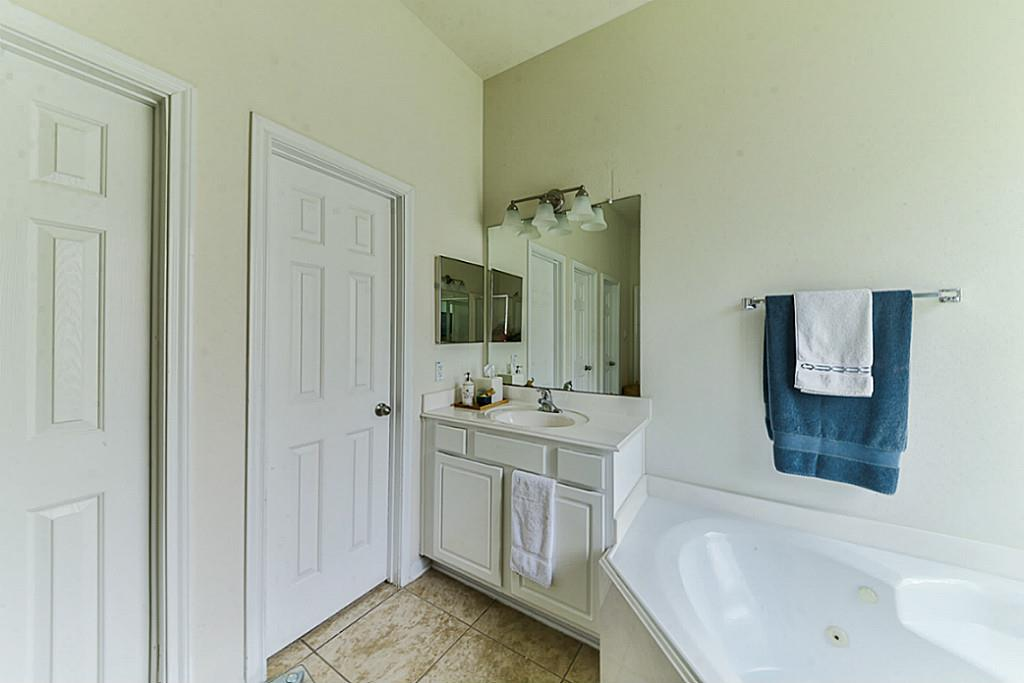19 Archer Oak Place, The Woodlands, TX, 77382 | Greenwood King ...