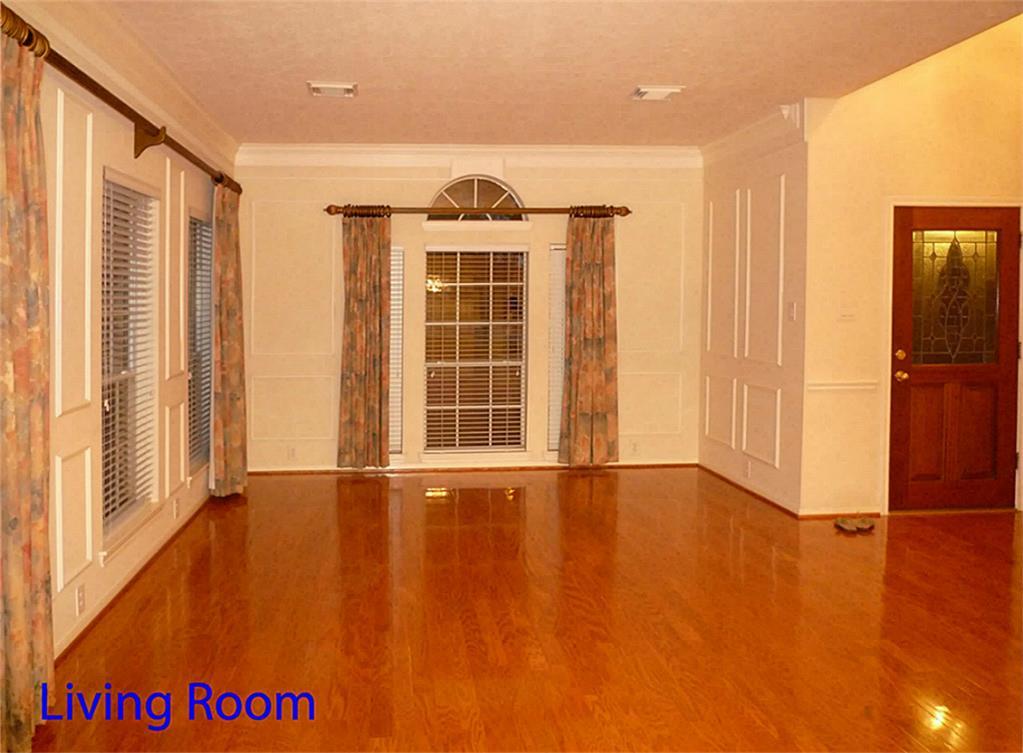 13902 Roxton Drive Houston Tx 77077 Greenwood King Properties